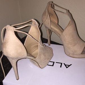 NUDE TILLEY HEELS